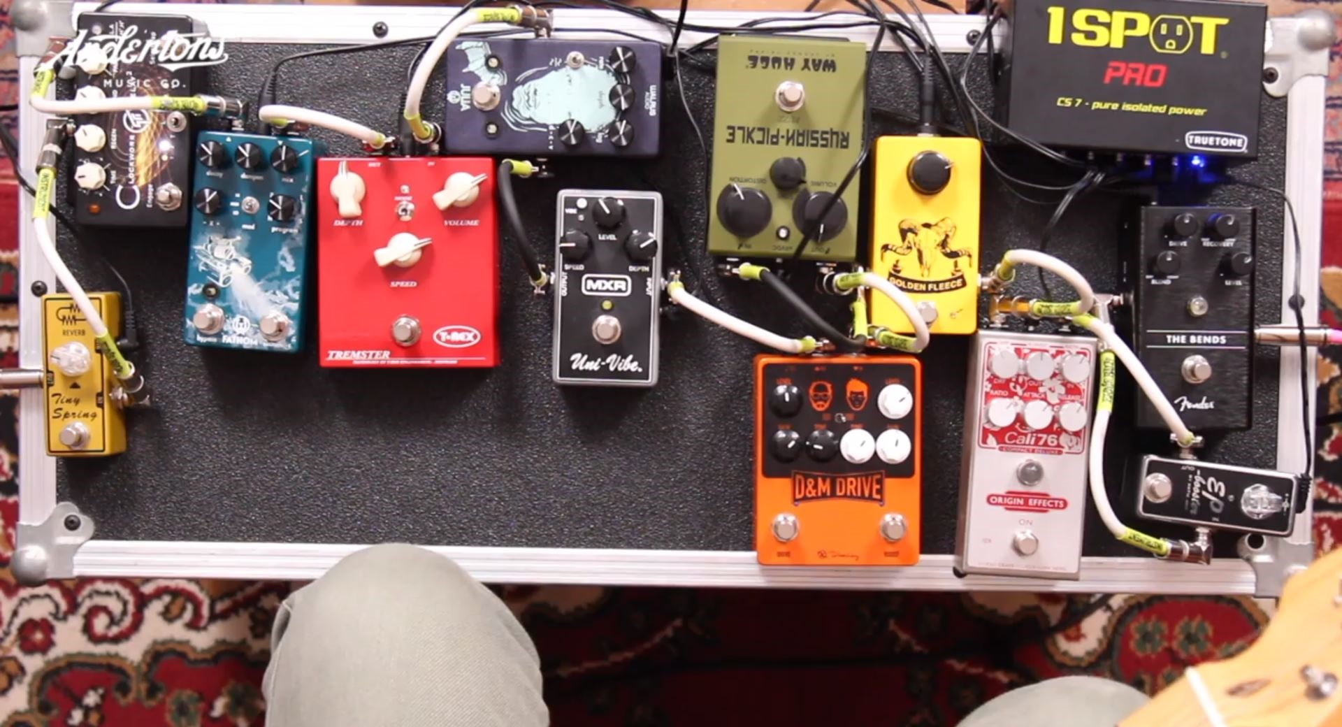 12 Pedal Signal Chain - Andertons Music Co.