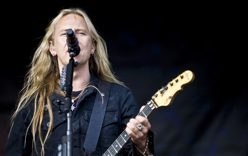 Jerry Cantrell, G&L Guitars - Andertons Music Co.