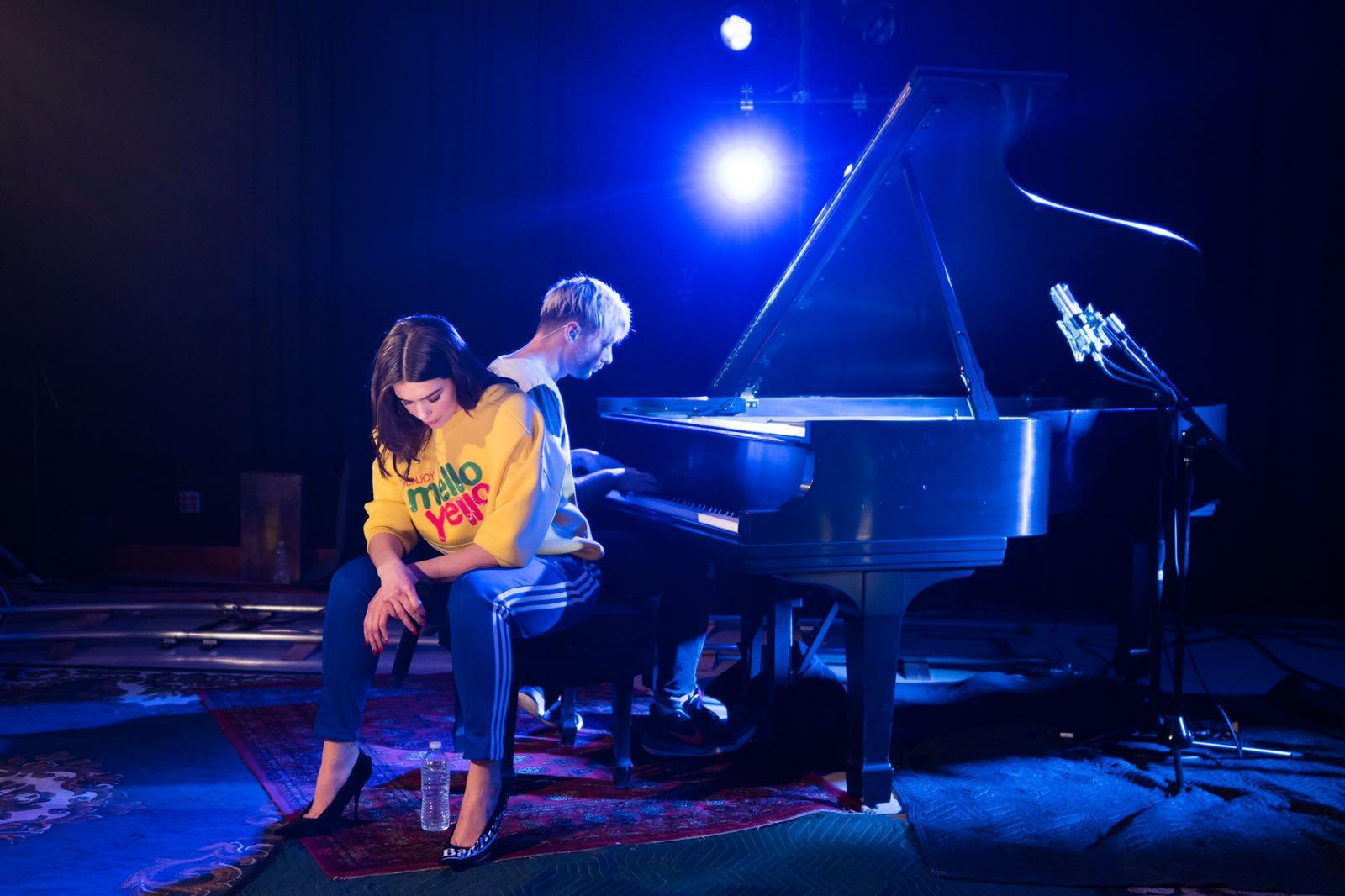 Kai Smith & Dua Lipa Piano Duet - Andertons Music Co.