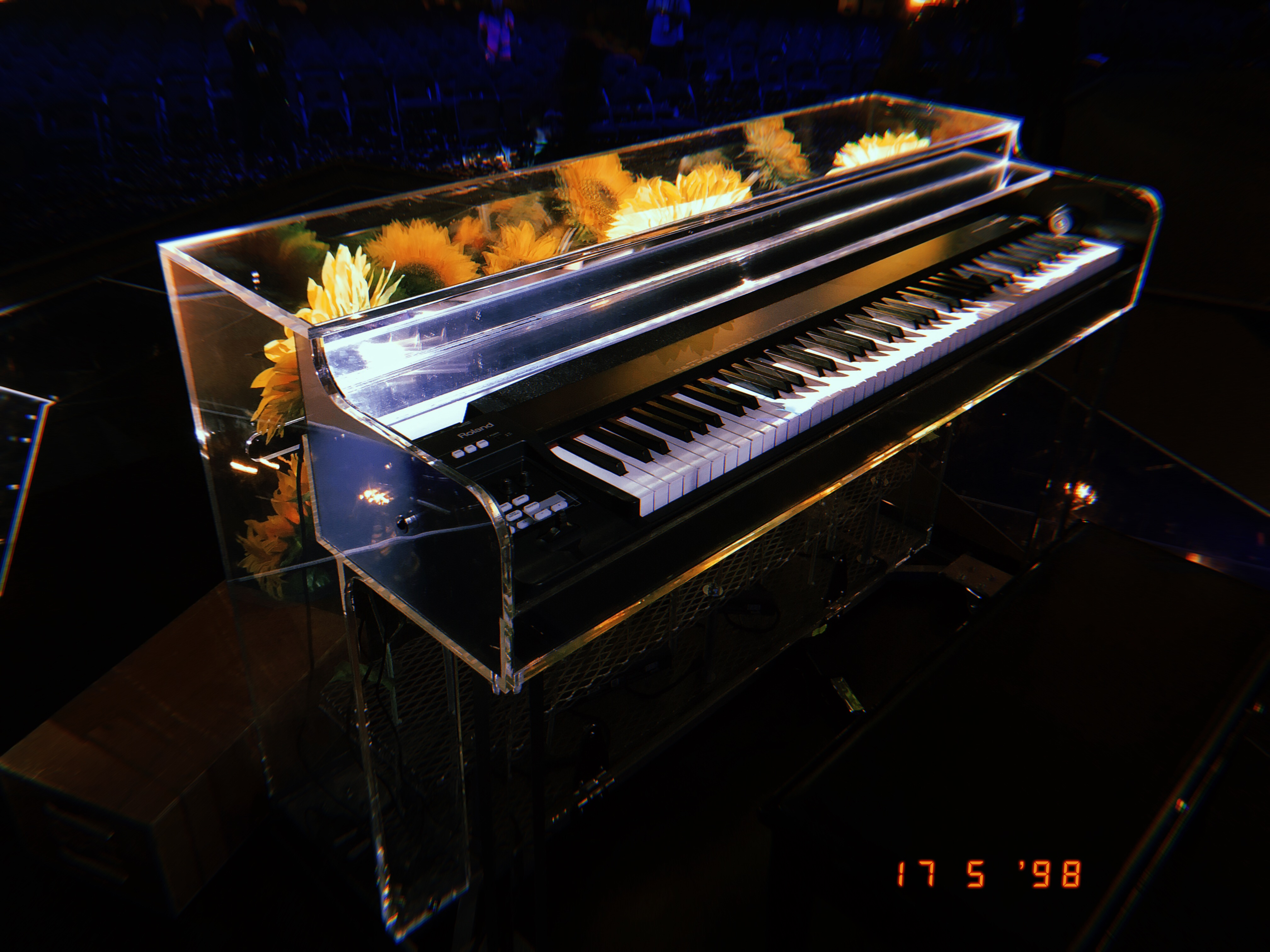 Kai Smith & Dua Lipa's Sunflower Piano - Andertons Music Co.