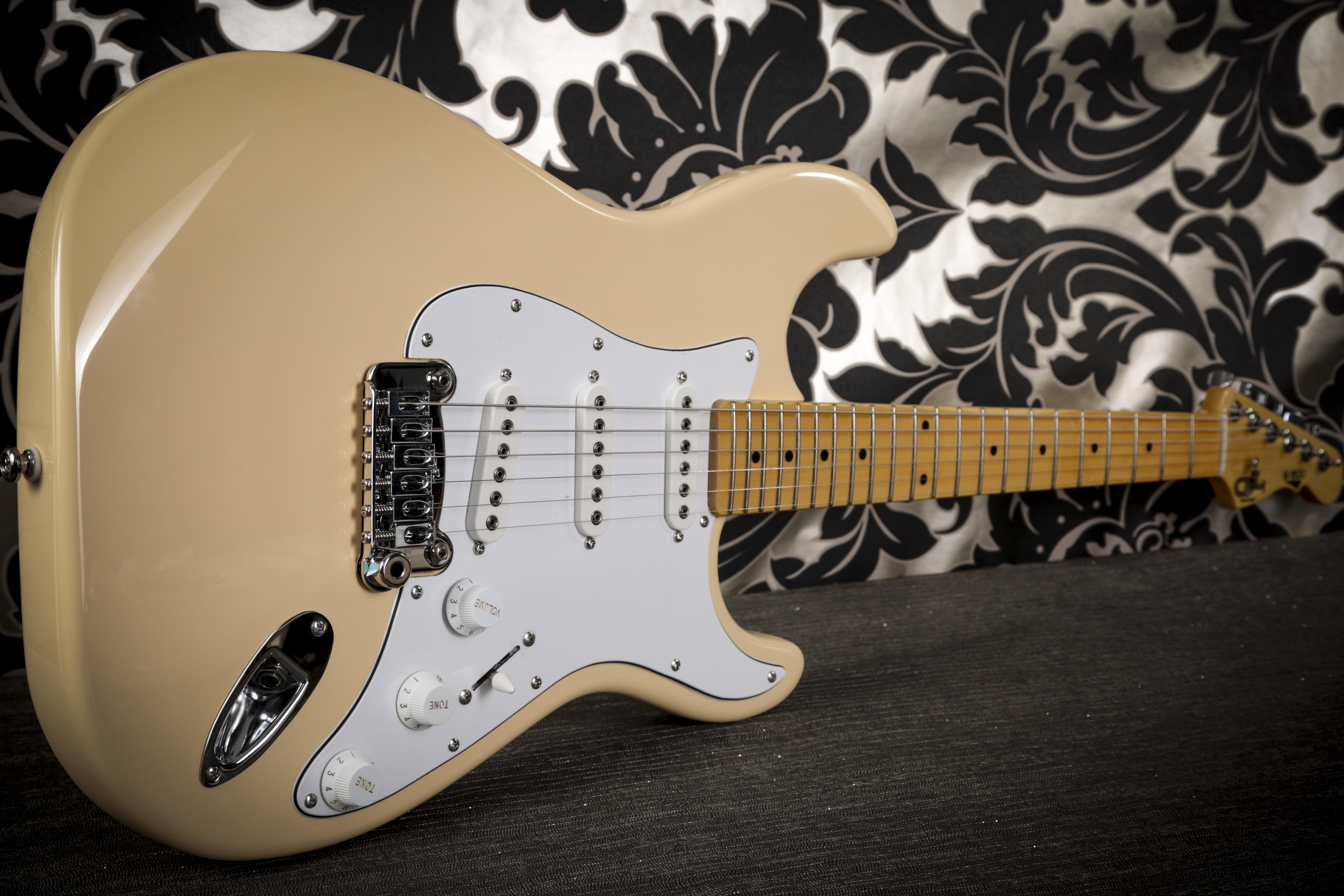 G&L S-500 Guitar