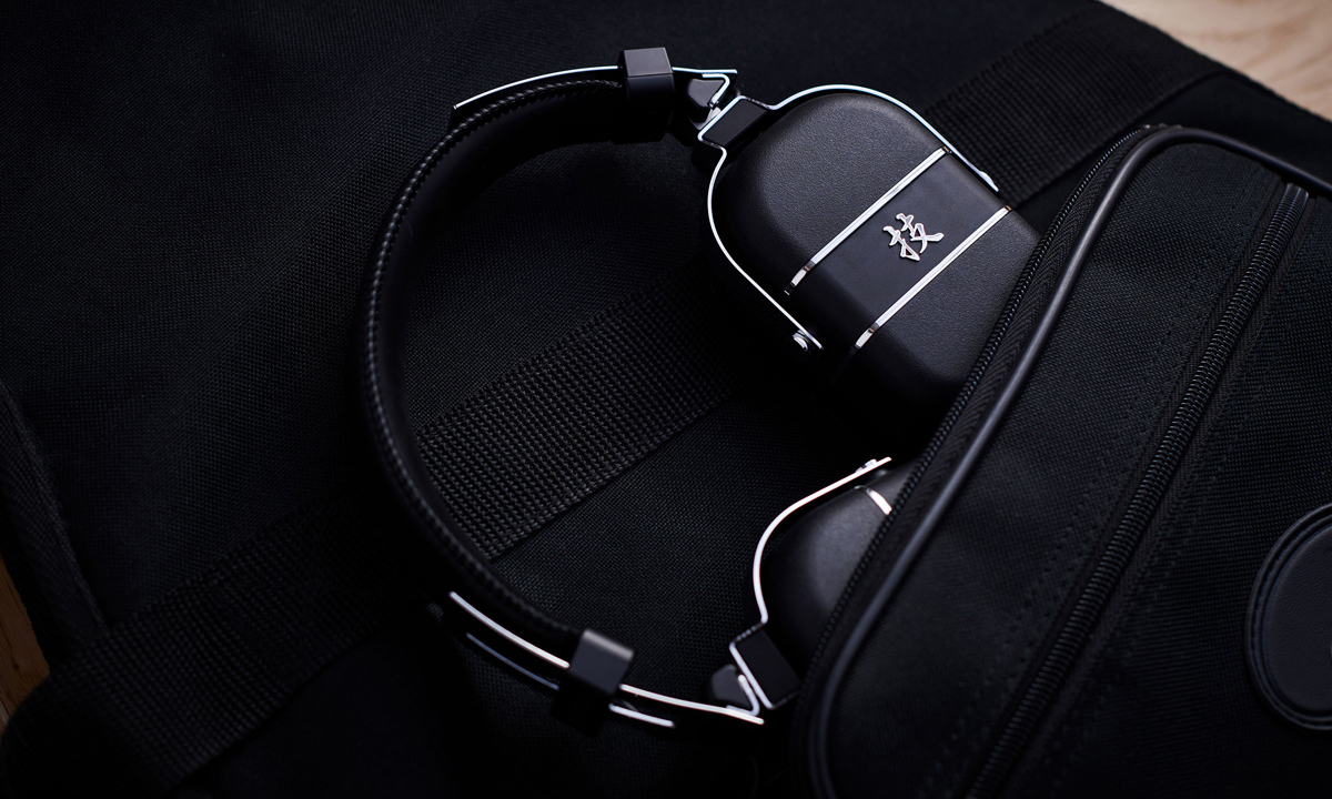 BOSS Waza-Air Wireless Headphones Folded